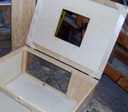 k kenaufzuchtbox selbstgebaut. Black Bedroom Furniture Sets. Home Design Ideas